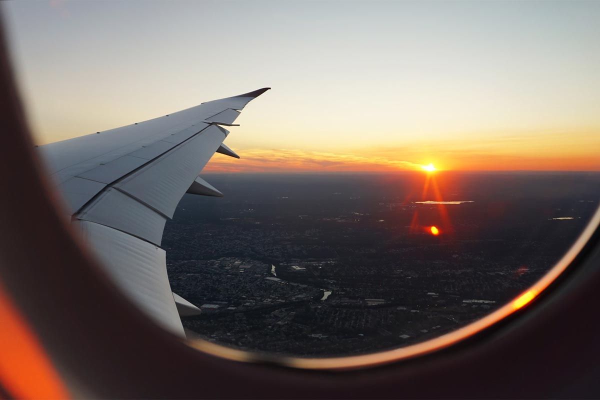 10 Ways to Save Money On Your Next Flight [Travel Tips]
